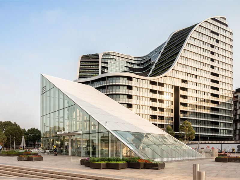 "Infinity by Crown Group项目赢得""城市开发商大奖""之""年度最佳高密度住宅""称号"